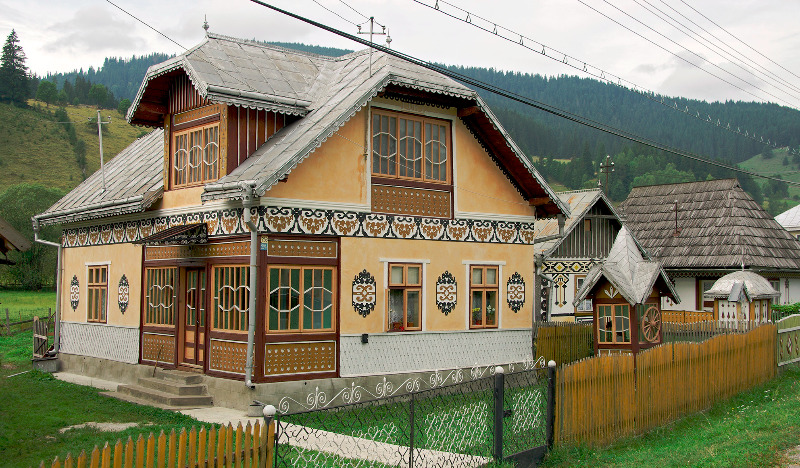 Painting eggs for easter in bucovina via transylvania - The painted houses of ciocanesti ...