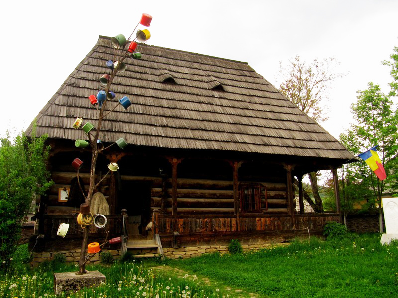 Guided maramures tour wooden churches and traditional crafts via transylvania tours self - Houses maramures wood ...