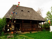Guided Maramures Tour: wooden churches and traditional crafts